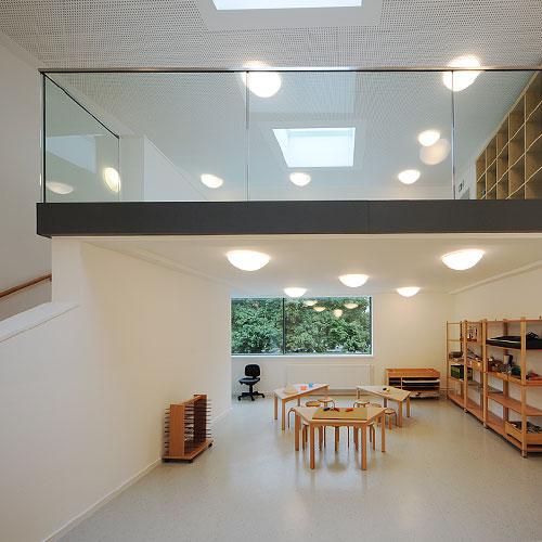Kindertagesstätte Lobeckstraße- Innenraum mit Galerie (©Kwiatosz)