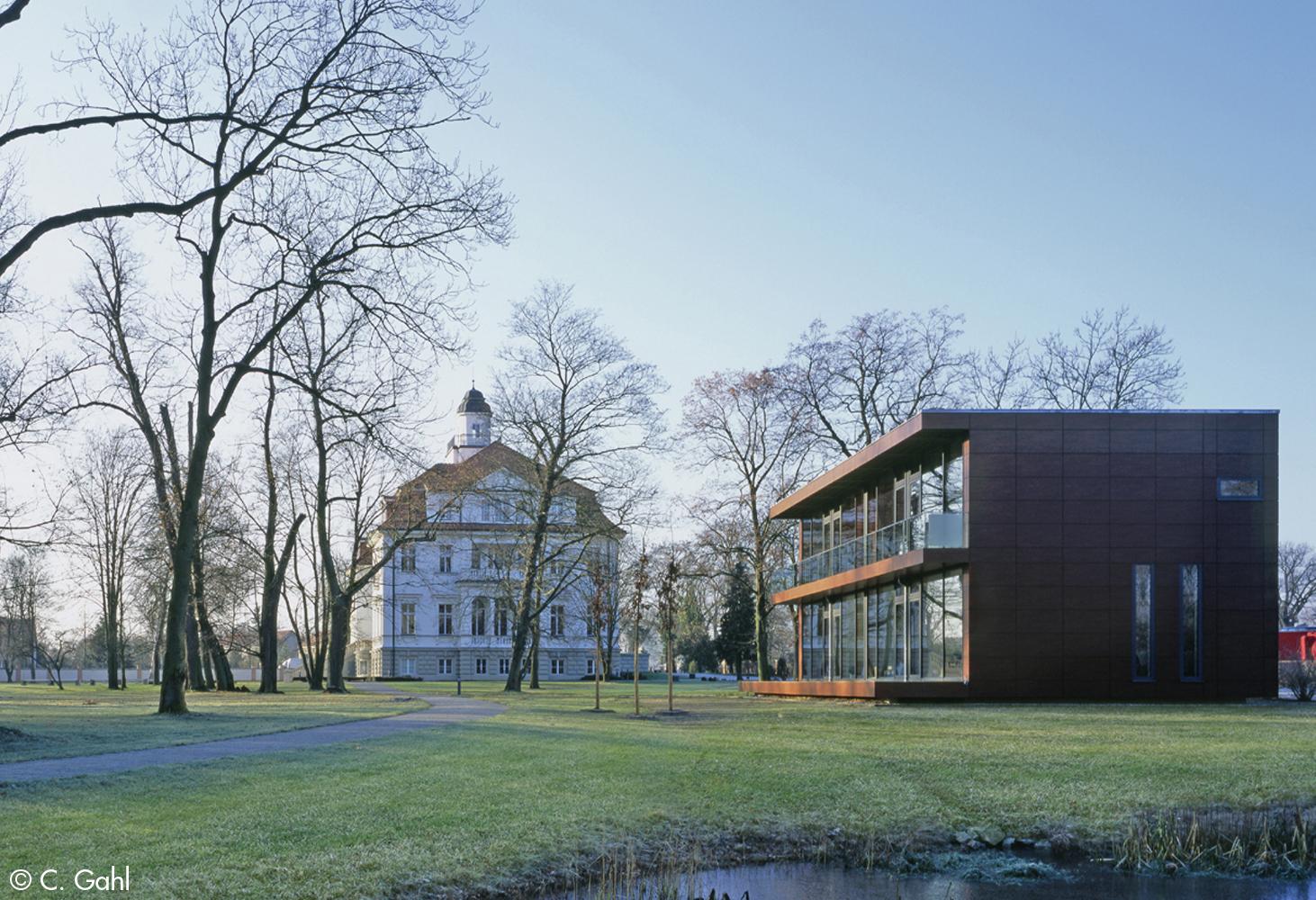 Schloss Genshagen - Parkgebäude (© C. Gahl)